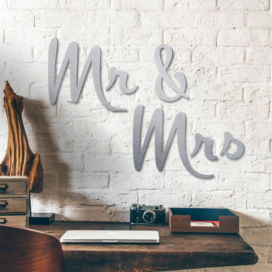 alu dibond buchstaben mr mrs in silber optik wall. Black Bedroom Furniture Sets. Home Design Ideas