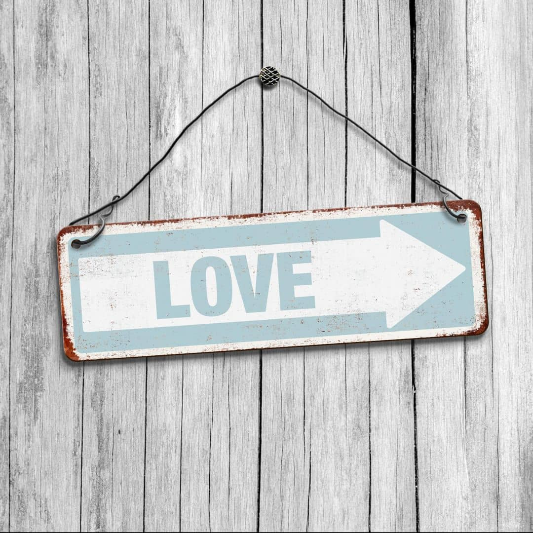 Love Decor Signs: Shabby Chic Love