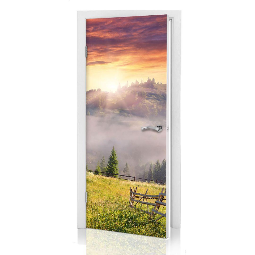 Adesivi per porte vallata nella nebbia - Pellicole adesive per porte ...