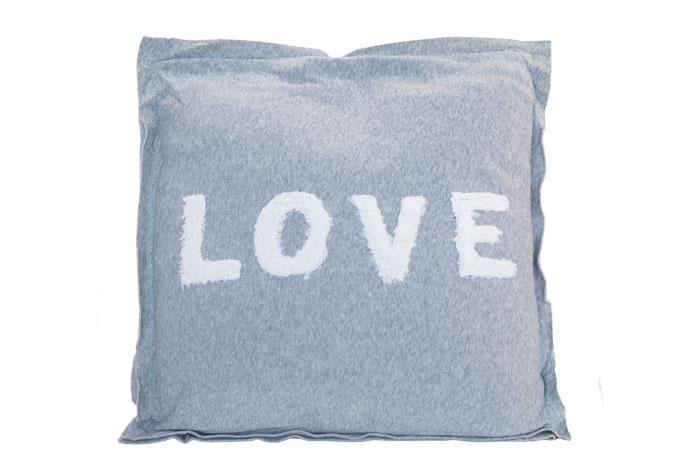 kissen love grau wall. Black Bedroom Furniture Sets. Home Design Ideas