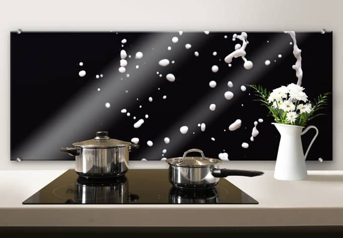 spritzschutz splashing milk panorama wall. Black Bedroom Furniture Sets. Home Design Ideas