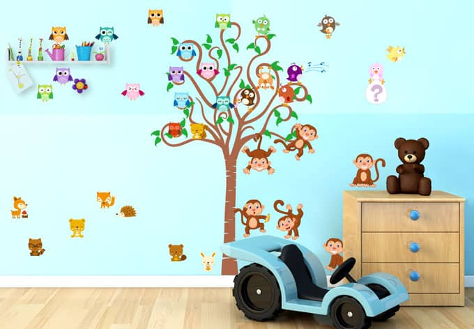 wandtattoo kinder baum mit tieren wall. Black Bedroom Furniture Sets. Home Design Ideas