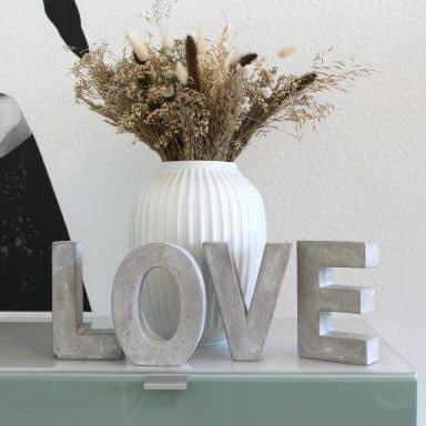 Lettres décoratives en béton LOVE