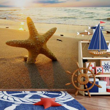 Fototapete Seestern im Sand - 384x260 cm