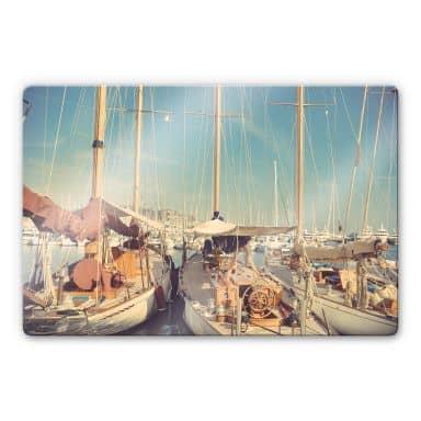 Glasbild Segelschiffe im Hafen