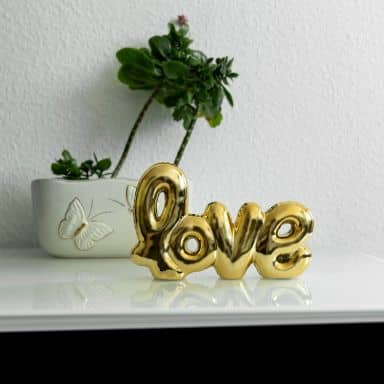Dekobuchstaben Schriftzug aus Keramik Love - gold - 21x13 cm