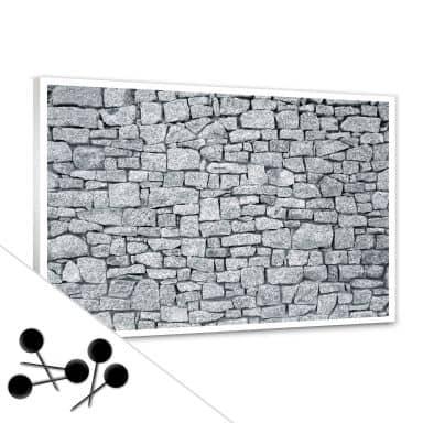 Tableau d'affichage - Mur en granit et 5 épingles