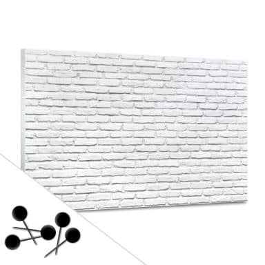Tableau d'affichage - Briques blanches et 5 épingles