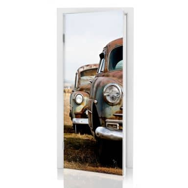 Door decor: Old Rusted Cars