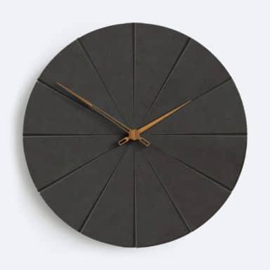 Moderne Wanduhr MDF Walnuss Holzzeiger schwarz Ø29 cm