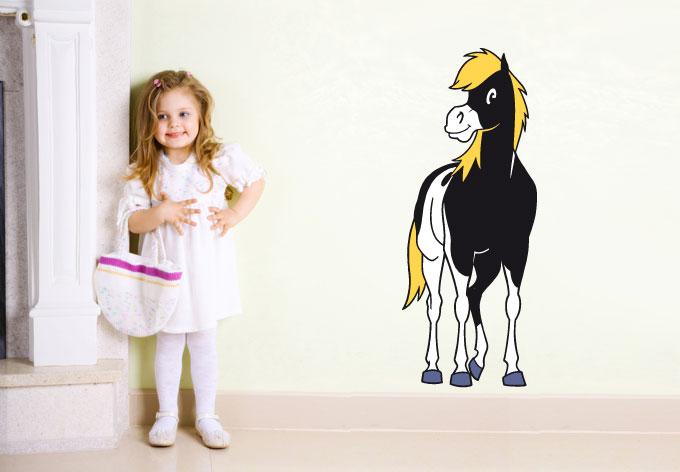 Wandtattoo kleiner donner yakaris pferd als sch nes for Kinderzimmer yakari