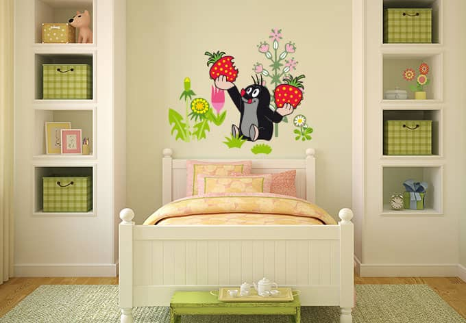 wandtattoo maulwurf erdbeeren lustige deko f r das kinderzimmer wall. Black Bedroom Furniture Sets. Home Design Ideas