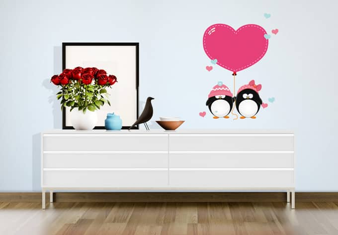 wandtattoo pinguinpaar mit herzen wall. Black Bedroom Furniture Sets. Home Design Ideas