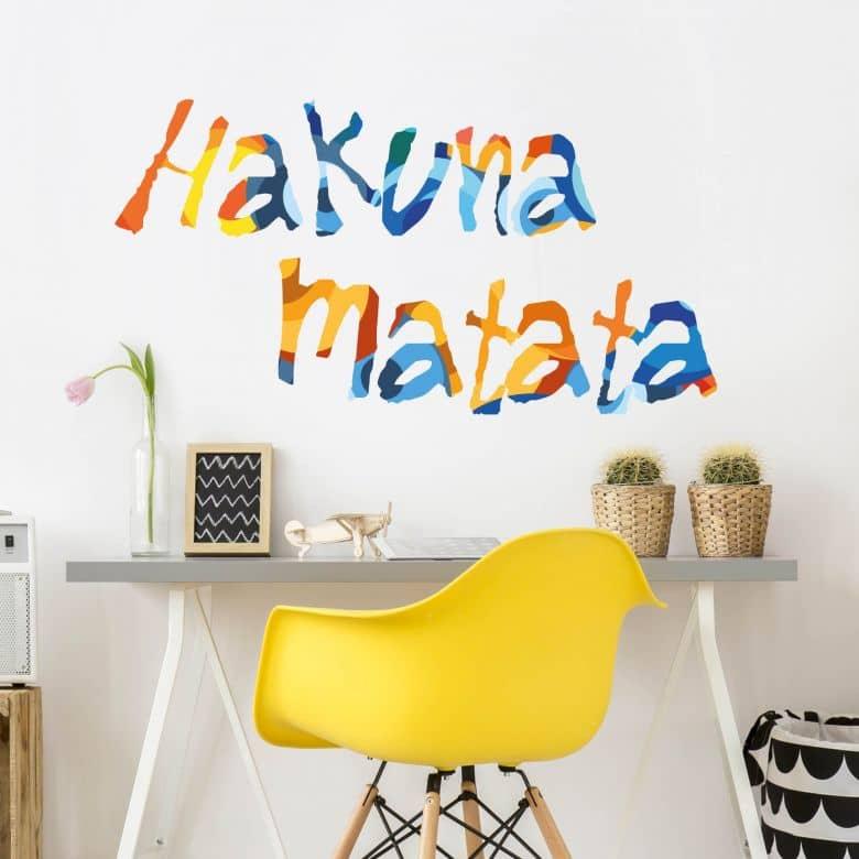 Buntes Wandtattoo Hakuna Matata von K&L Wall Art | wall-art.de