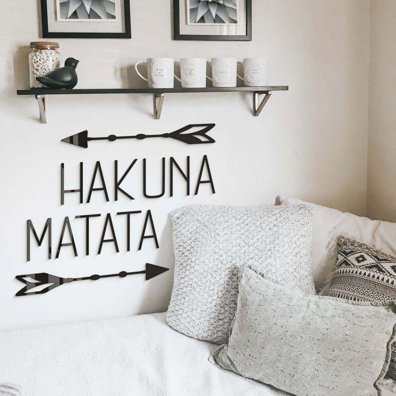 Decoratieletters Hakuna Matata met Pijlen