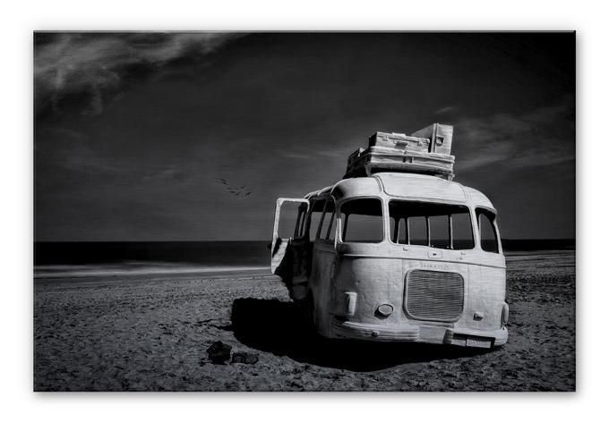 Alu-Dibond Silber Depaepe - Beached Bus