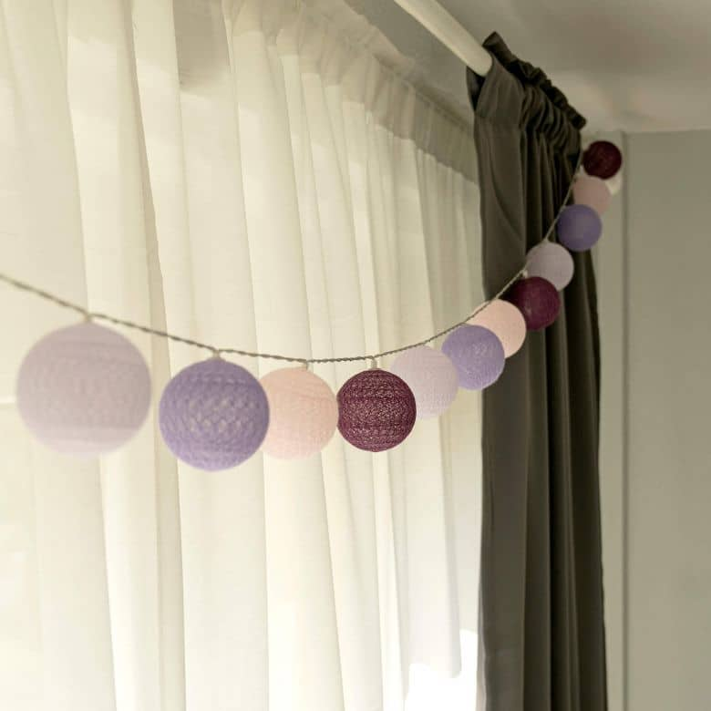 Cotton Ball Lights LED-Lichterkette lila violett 20-teilig