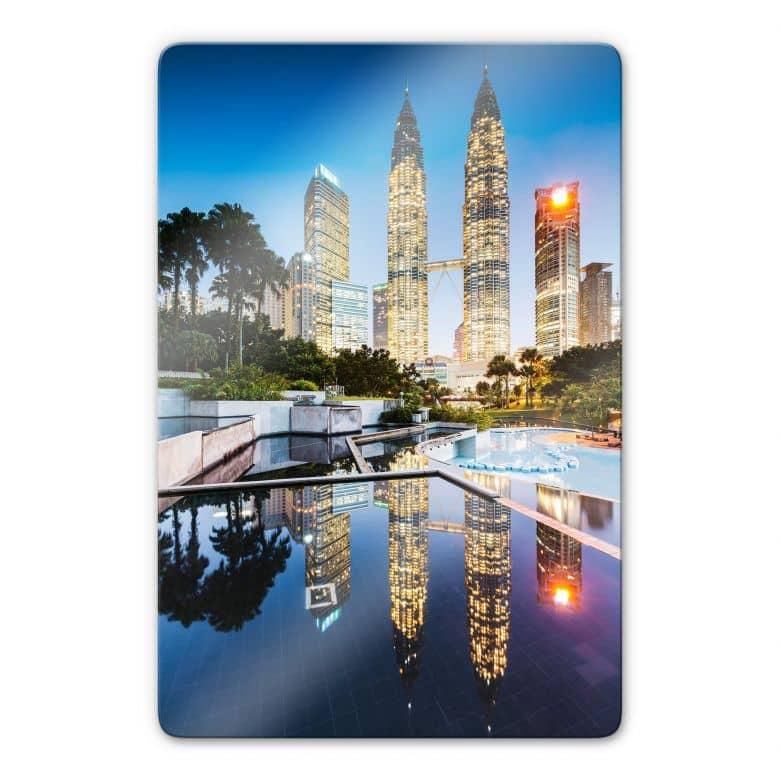 Glasbild Colombo - Petronas Towers bei Nacht