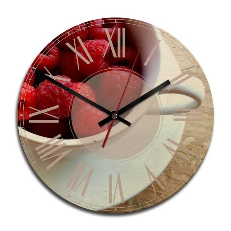 Horloge murale en bois - Dessert aux framboises