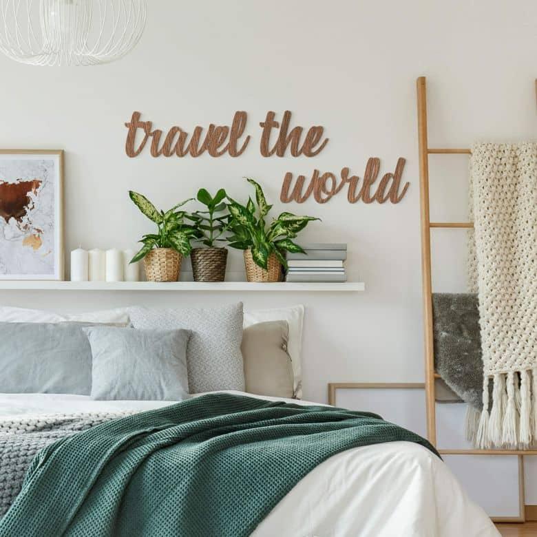 Lettres décorative en placage bois d'acajou Travel the world