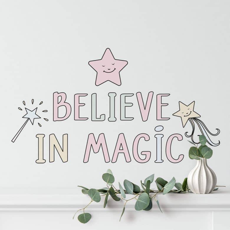 Wandtattoo Kvilis - Schriftzug Believe in Magic