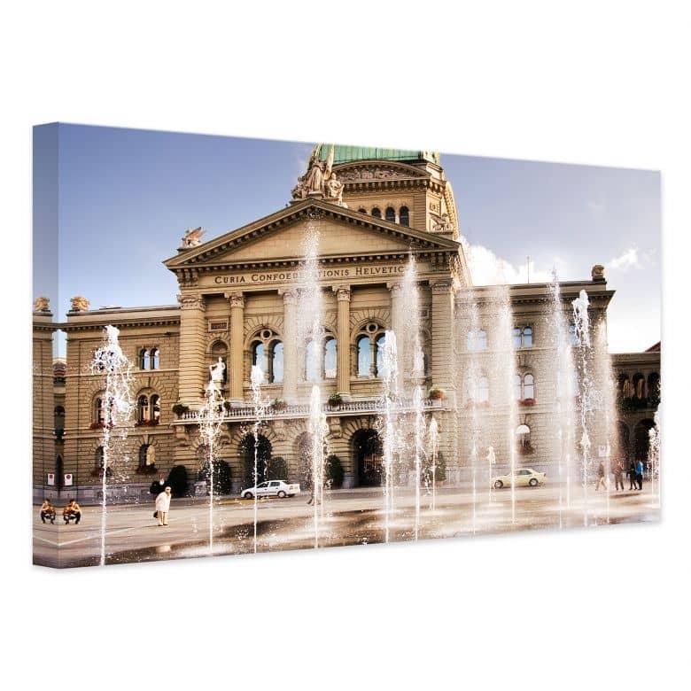 Leinwandbild Wasserspiel vor Schweizer Parlamentsgebäude