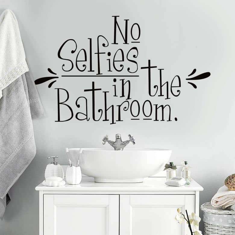 Wandtattoo No Selfies in the Bathroom