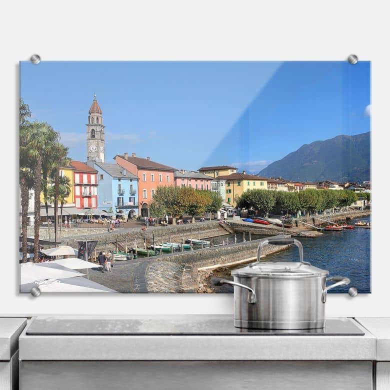 Spritzschutz Hafenpromenade am Lago Maggiore