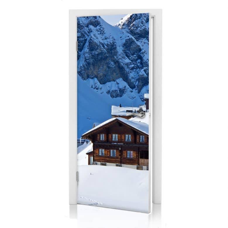 Türdesign Ferienhütte in den Schweizer Alpen