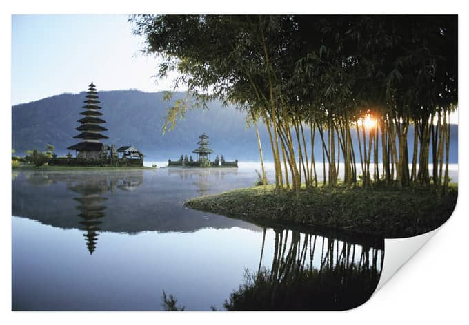 Zelfklevende Poster - National Geographic - Pura Ulun Tempel Bali
