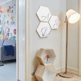 Hexagon - Alu-Dibond Silbereffekt - Et-Zeichen - Weiß