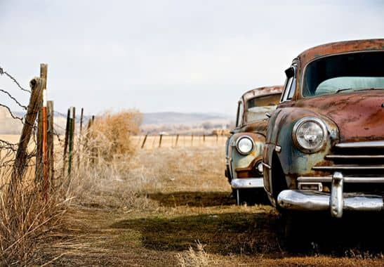 fototapete old rusted cars von k l wall art wall. Black Bedroom Furniture Sets. Home Design Ideas