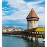 Fototapete Holzbrücke in Luzern