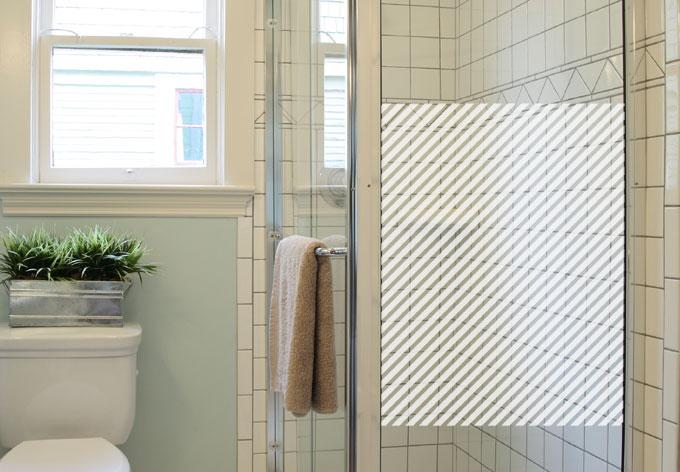 Effet verre d poli lignes diagonales wall for Adhesif translucide fenetre