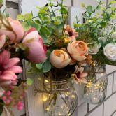 LED Wandleuchte Blumen im Glas mit Lichterkette
