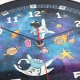 Kinder Wanduhr Weltall Astronauten - Rund Ø30 cm